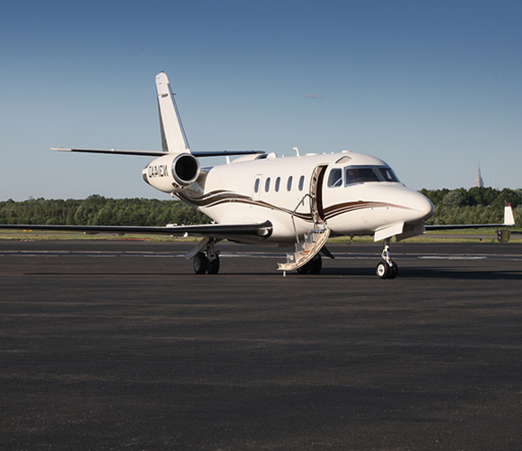 gulrstream 100 private jet for rental in the new york area with Air Charters